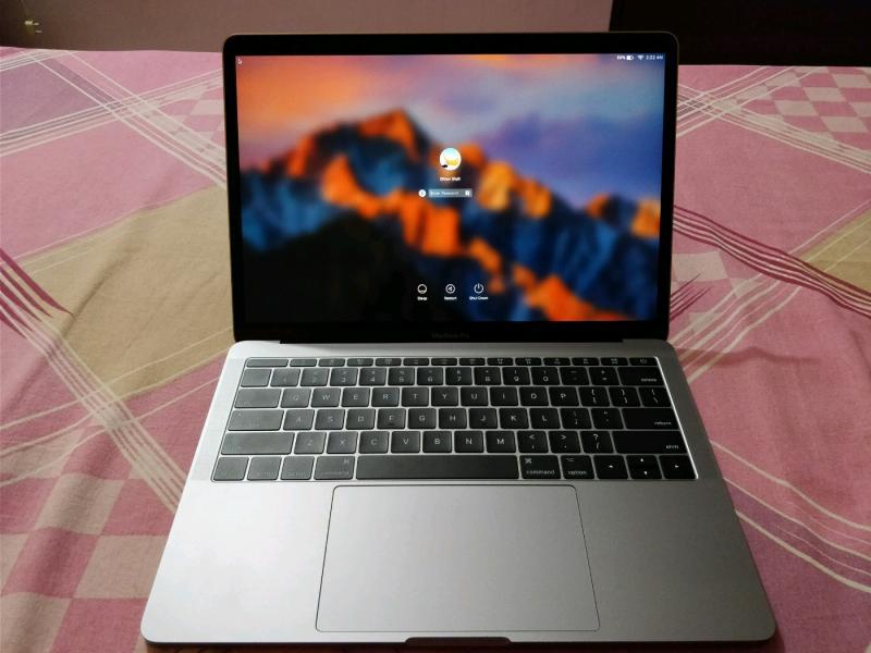 MacBook Pro projektor orgie pripojiť radu pre chlapcov
